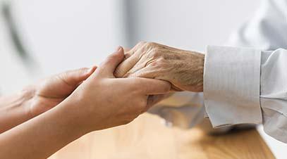 ayuda-a-personas-mayores-en-su-domicilio