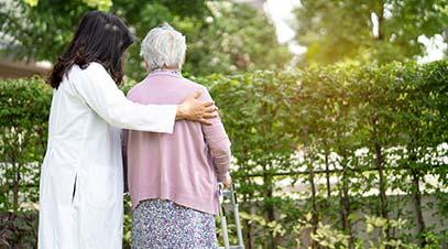cuidado-de-ancianos-internos-y-por-horas