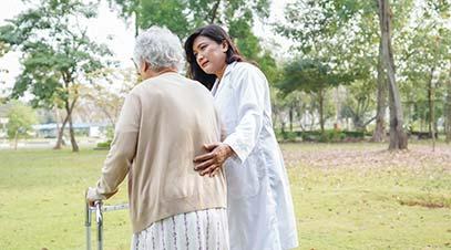 servicio-de-ayuda-a-ancianos-a-adomicilio