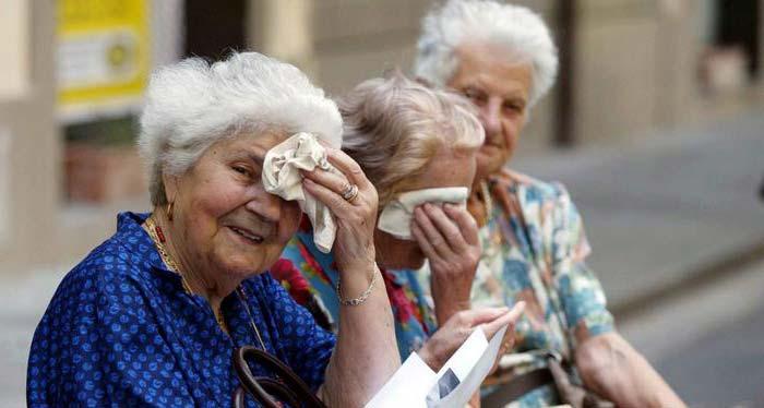 ola-de-calor-en-ancianos