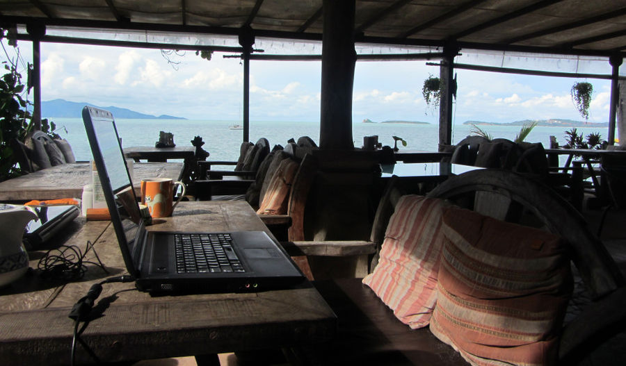 ciężka praca webdewelopera w Tajlandii 😉