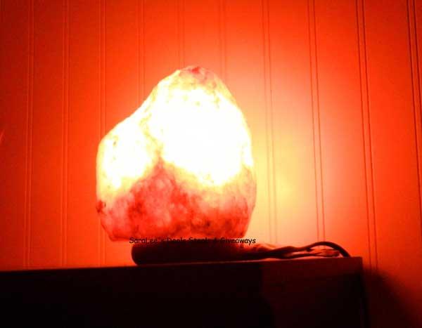 himalayan salt lamp image