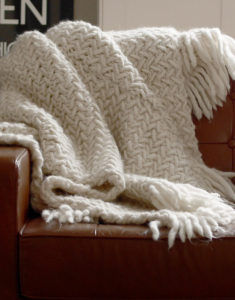 Learn how to knit our Koselig Blanket