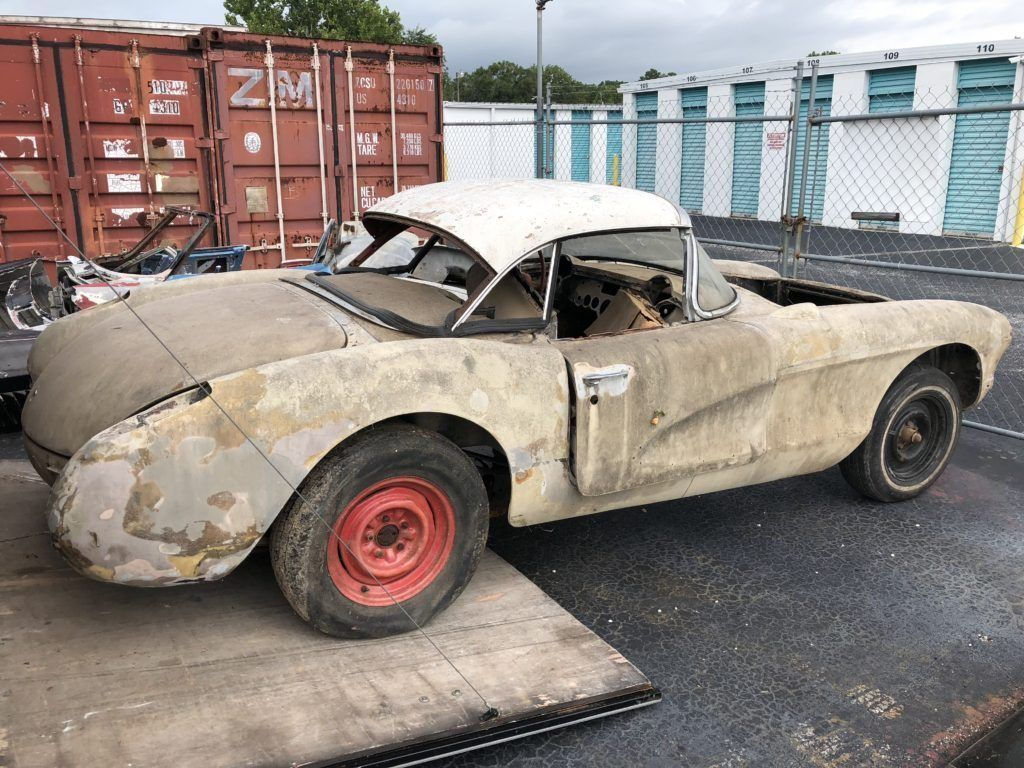 tons of parts 1957 Chevrolet Corvette project