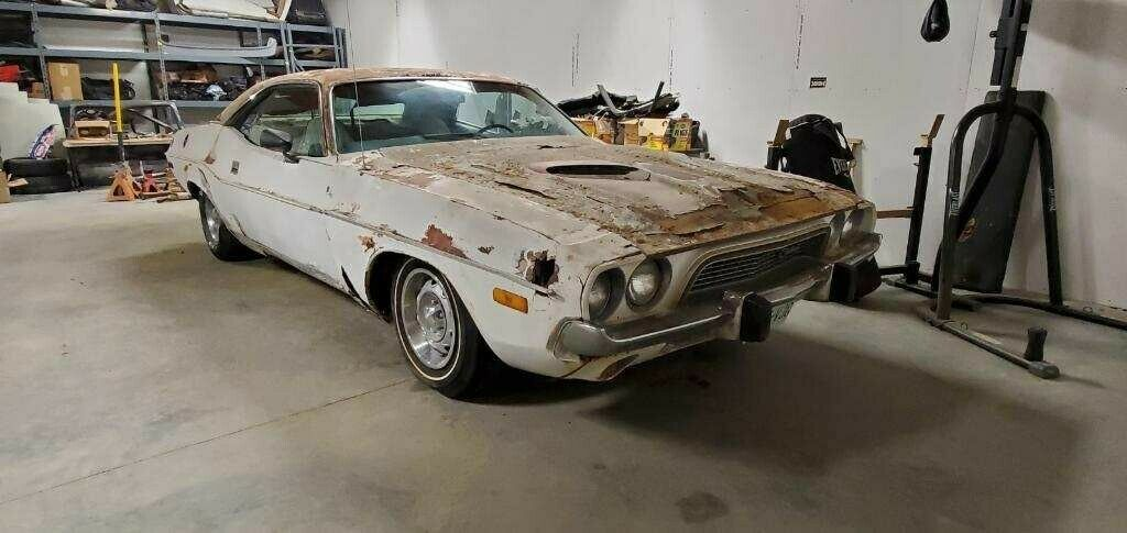1+1 1973 Dodge Challenger Project