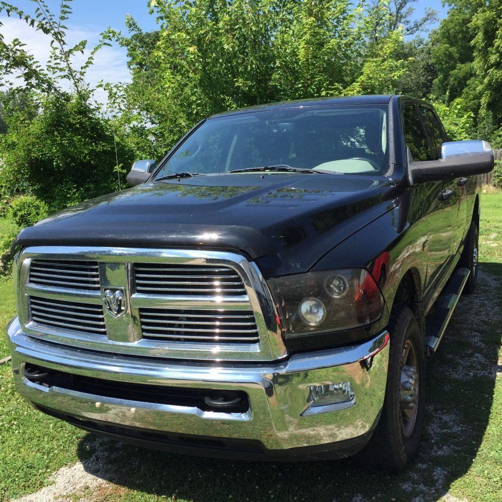 Crew cab truck – 2012 Dodge Ram 2500 4×4