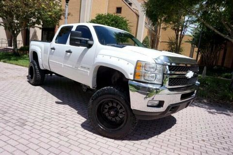 one of a kind upgraded 2012 Chevrolet Silverado 2500 LT crew cab for sale