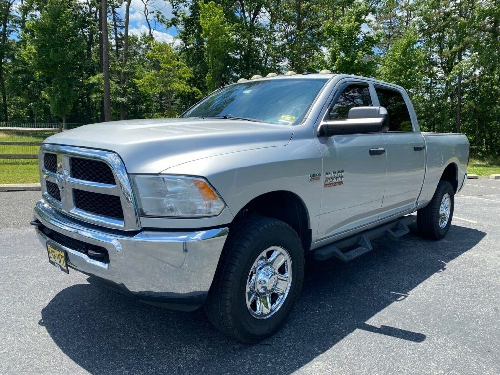 2015 Ram 3500 ST crew cab [well maintained]