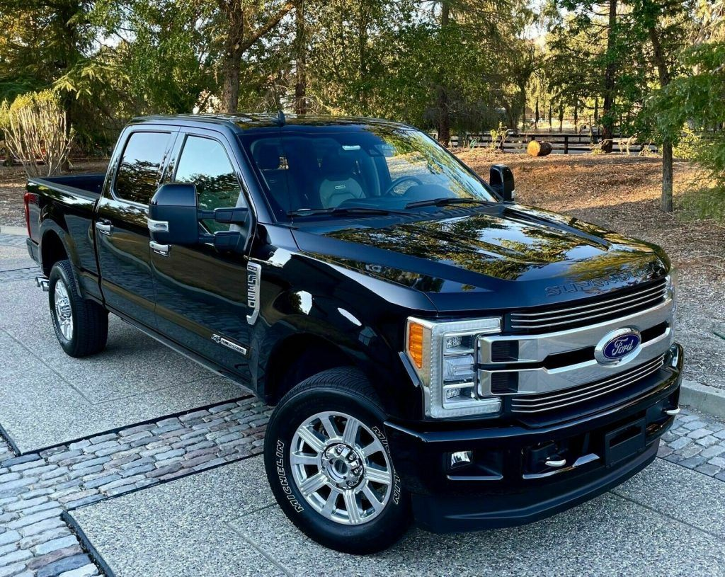 2019 Ford F-350 Super Duty Limited Crew Cab [every available option possible]