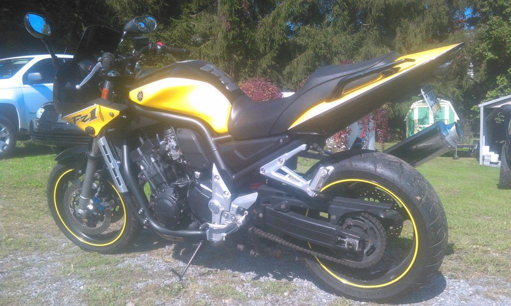 2003 Yamaha FZ in mint condition