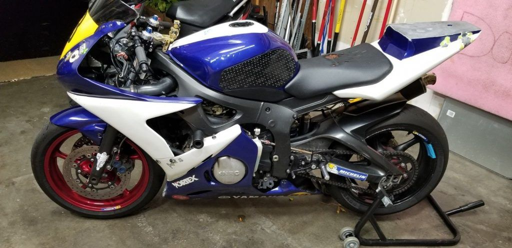 2003 Yamaha YZF R6 Race bike