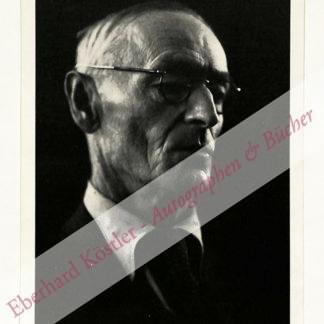 Hesse, Hermann, Schriftsteller und Nobelpreisträger (1877-1962).