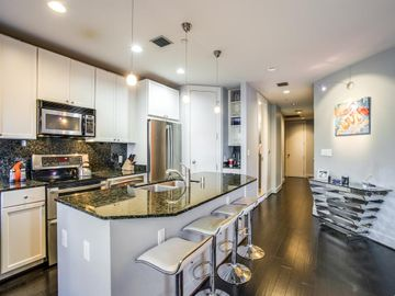 Kitchen, 1505 Elm Street #604, Dallas, TX, 75201,