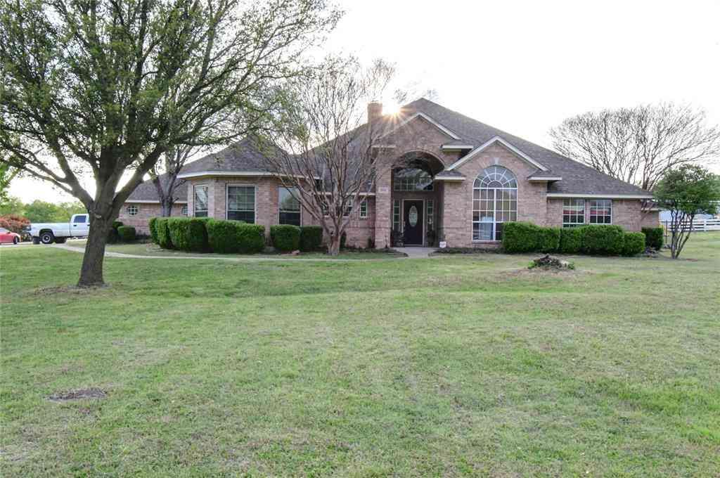 524 Stevens Drive, Benbrook, TX, 76126,