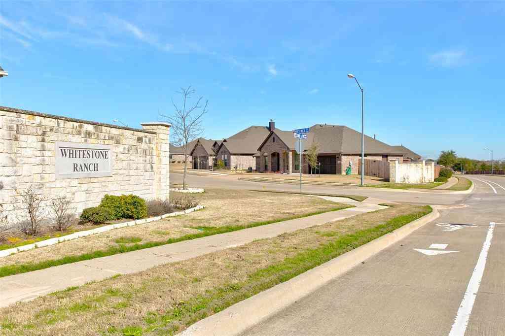 7237 Tour Trail, Benbrook, TX, 76126,