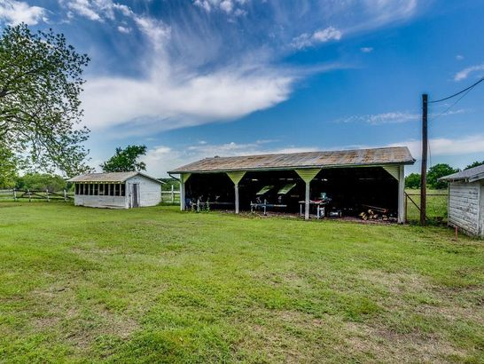 1119 SW State Highway 34