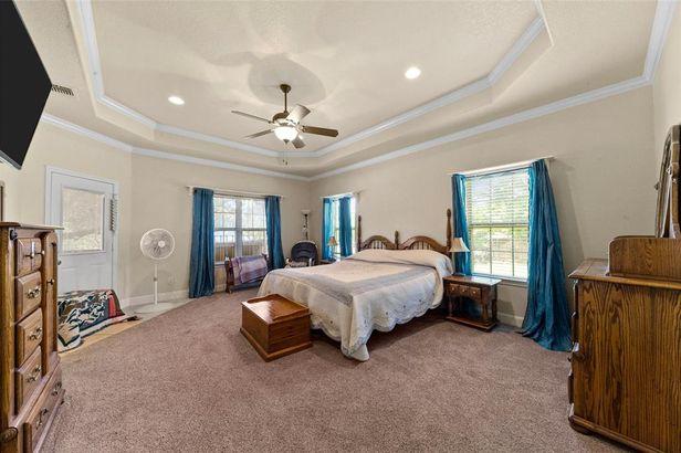 602 Grand Oaks Court