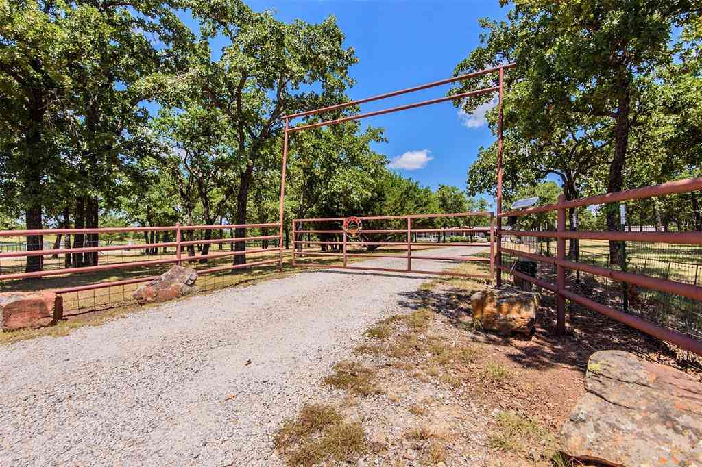 3900 Hott Lane, Weatherford, TX, 76088,