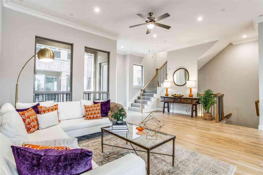Sunny Living Room, 101 Decker Drive #902, Irving, TX, 75062,