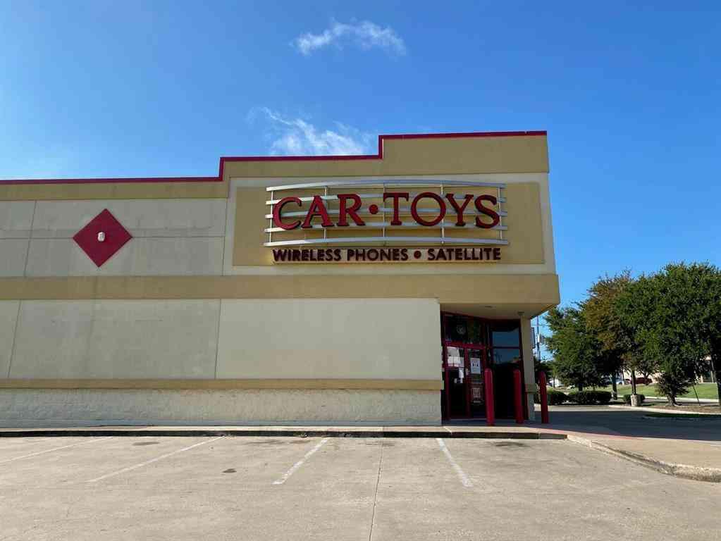 2738 W Wheatland Road, Dallas, TX, 75237,
