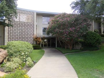2301 Ridgmar Plaza #7, Fort Worth, TX, 76116,