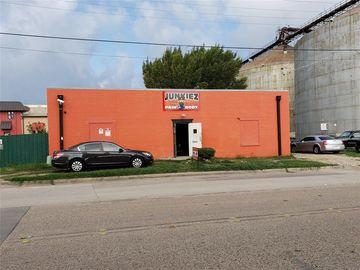 2136 S Main Street, Fort Worth, TX, 76110,