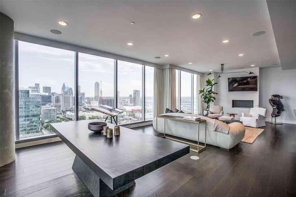 Sunny Living Room, 3130 N HARWOOD #2505, Dallas, TX, 75201,