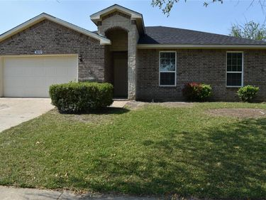 3200 Chalmette Court, Forest Hill, TX, 76140,