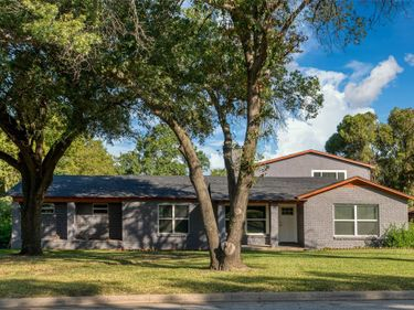 2221 Timberline Drive, Fort Worth, TX, 76119,