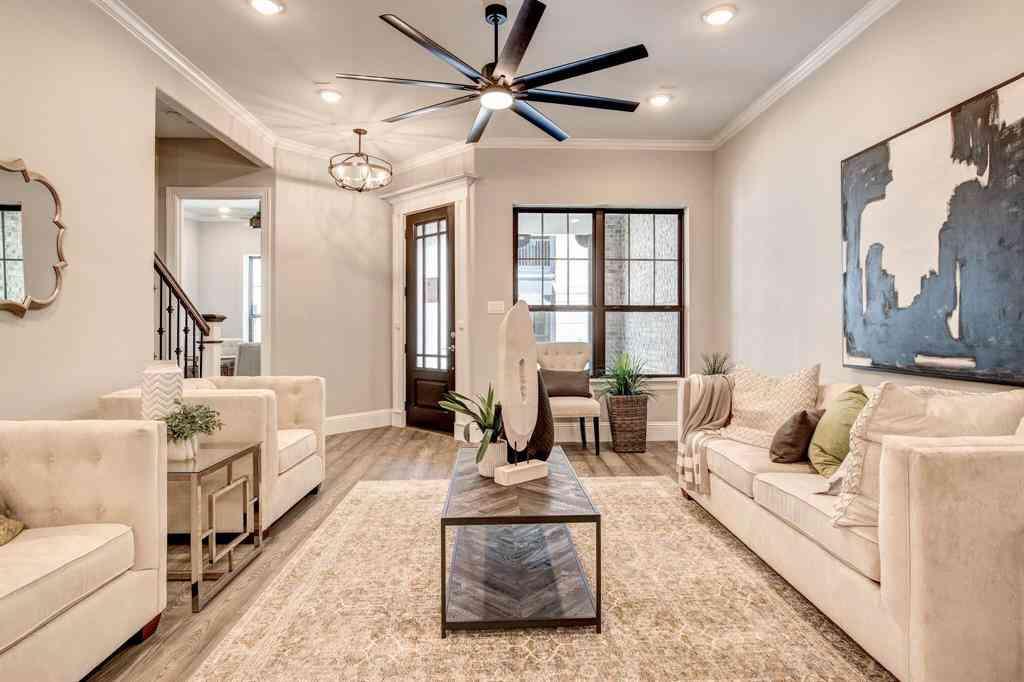 Sunny Living Room, 302 Nursery Lane #102, Fort Worth, TX, 76114,