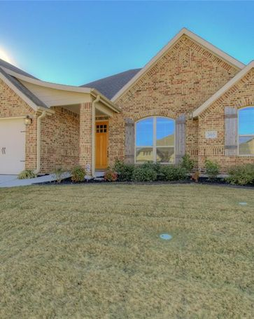 305 Bluffside Trail Benbrook, TX, 76126