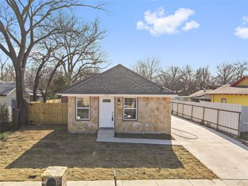 3526 Strong Avenue, Fort Worth, TX, 76105,