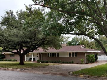 6463 Floyd Drive, Fort Worth, TX, 76116,