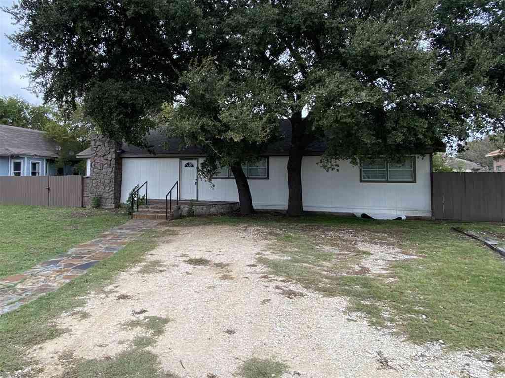 213 Lipscomb Street, Cleburne, TX, 76031,