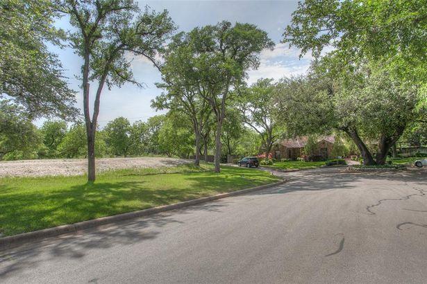 417 Crestwood Drive