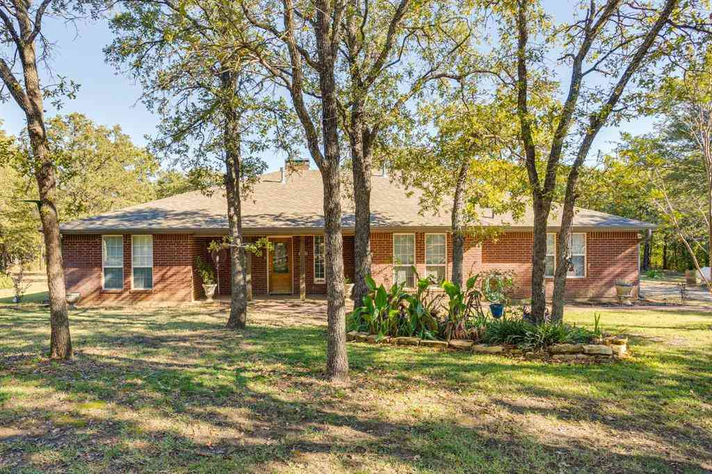 686 Spring Valley Road, Paradise, TX, 76073,