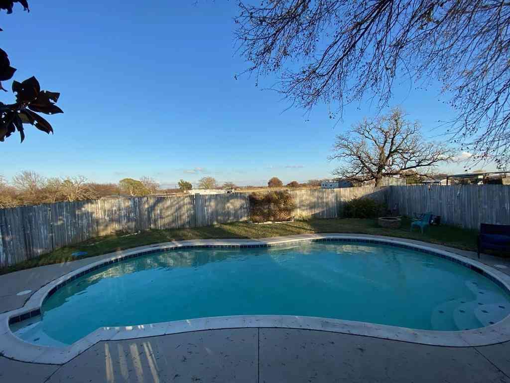 Swimming Pool, 697 County Road 1304, Bridgeport, TX, 76426,