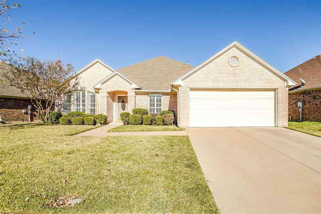 1317 Lyra Lane, Arlington, TX, 76013,