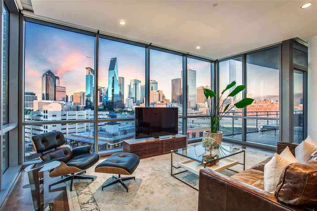 Sunny Living Room, 2200 Victory Avenue #802, Dallas, TX, 75219,