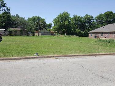 1024 Baker Street, Fort Worth, TX, 76104,