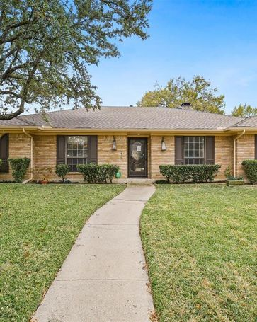 7414 Authon Drive Dallas, TX, 75248
