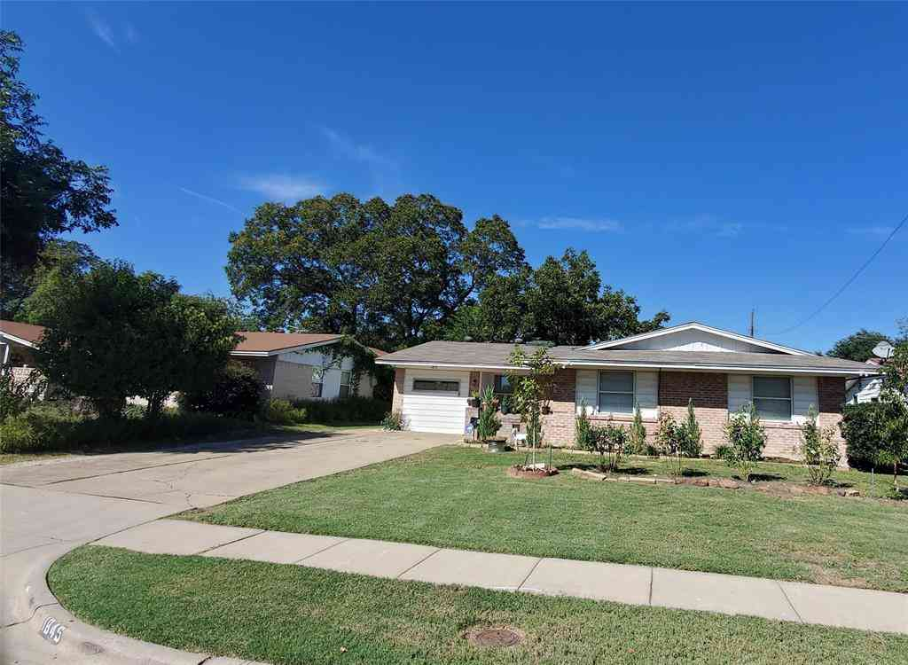 1845 Burning Tree Lane, Carrollton, TX, 75006,