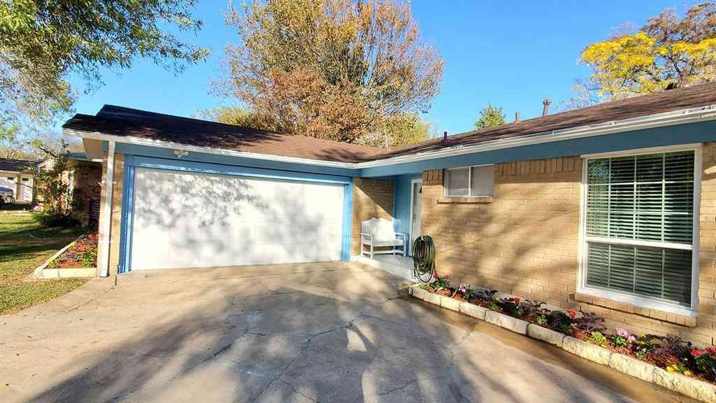 414 Falling Leaves Drive, Duncanville, TX, 75116,