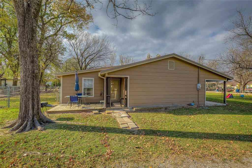 503 W Locust Street, Campbell, TX, 75422,