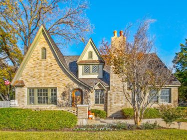 2215 Forest Park Boulevard, Fort Worth, TX, 76110,