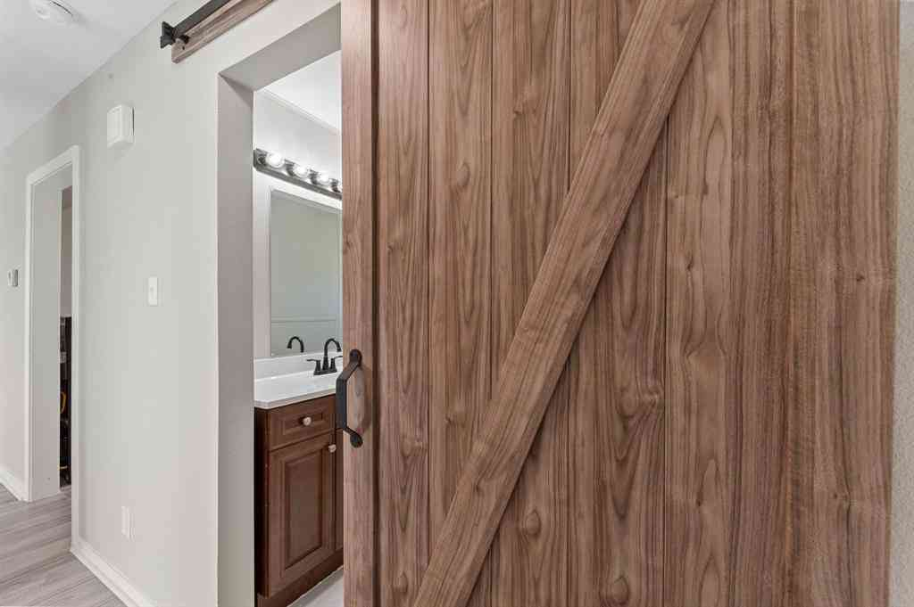 Kitchen, 744 Pine Street, Hurst, TX, 76053,