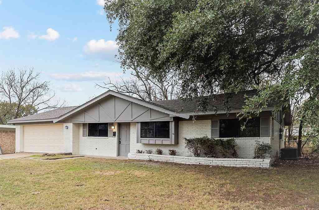 321 Walnut Street, Terrell, TX, 75160,