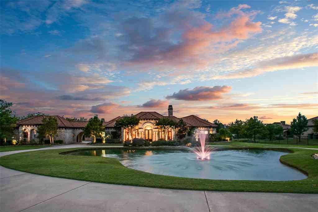 Swimming Pool, 500 S White Chapel, Southlake, TX, 76092,