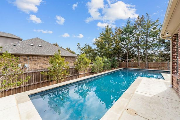 612 Silver Chase Drive