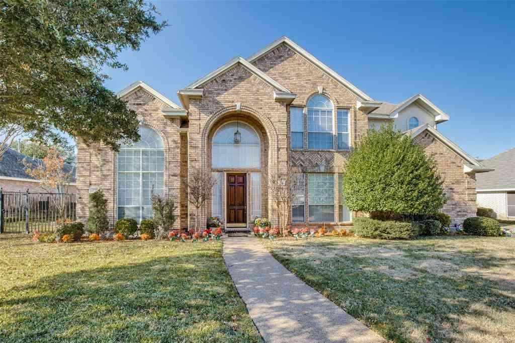 511 S Silver Creek Circle, Desoto, TX, 75115,